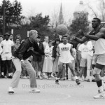 Lou Holtz_bookstore basketball photo